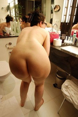 Sexy big booty mature women without..