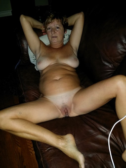 Nude redhead mature wife on the toilet..