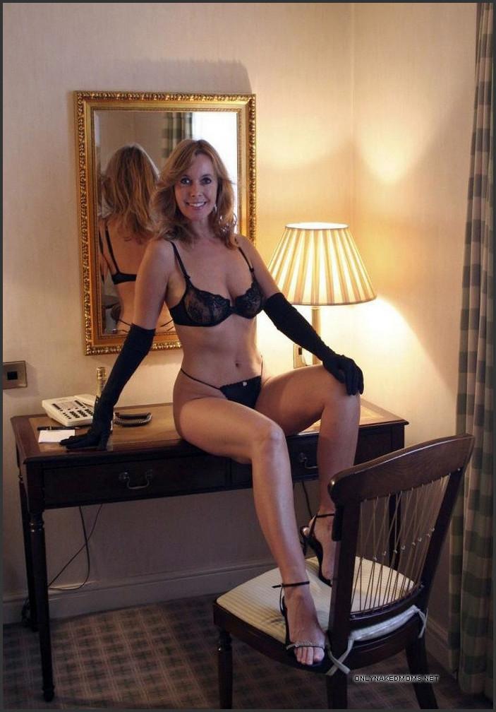 nude pretty wife amateur