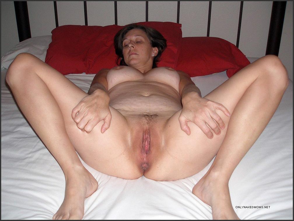 Sexy mature moms