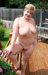 Mature ladies totaly nude