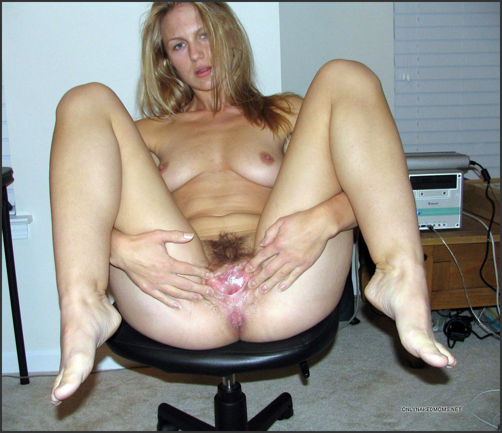 Naked mommy galleries