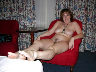 Mature curvy naked women