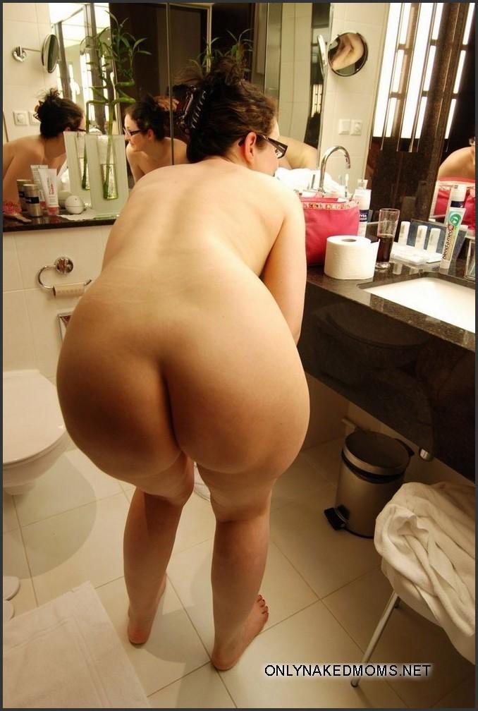 ebony naked women having sex