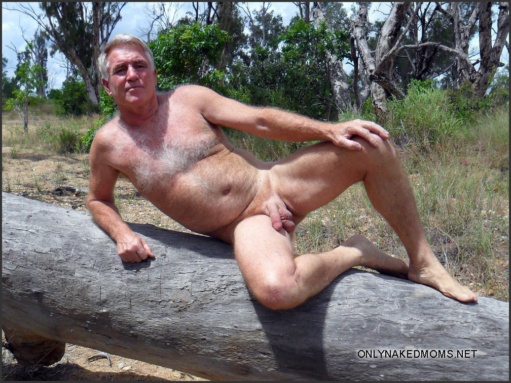 Model mature men nude