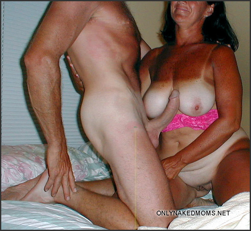 All Amateur moms fucked from behind with