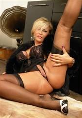 Big tits mature housewife