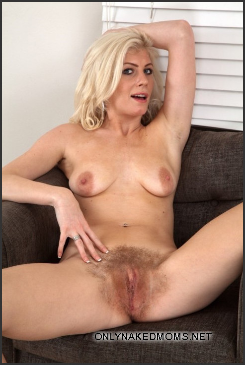 nude mature women standing